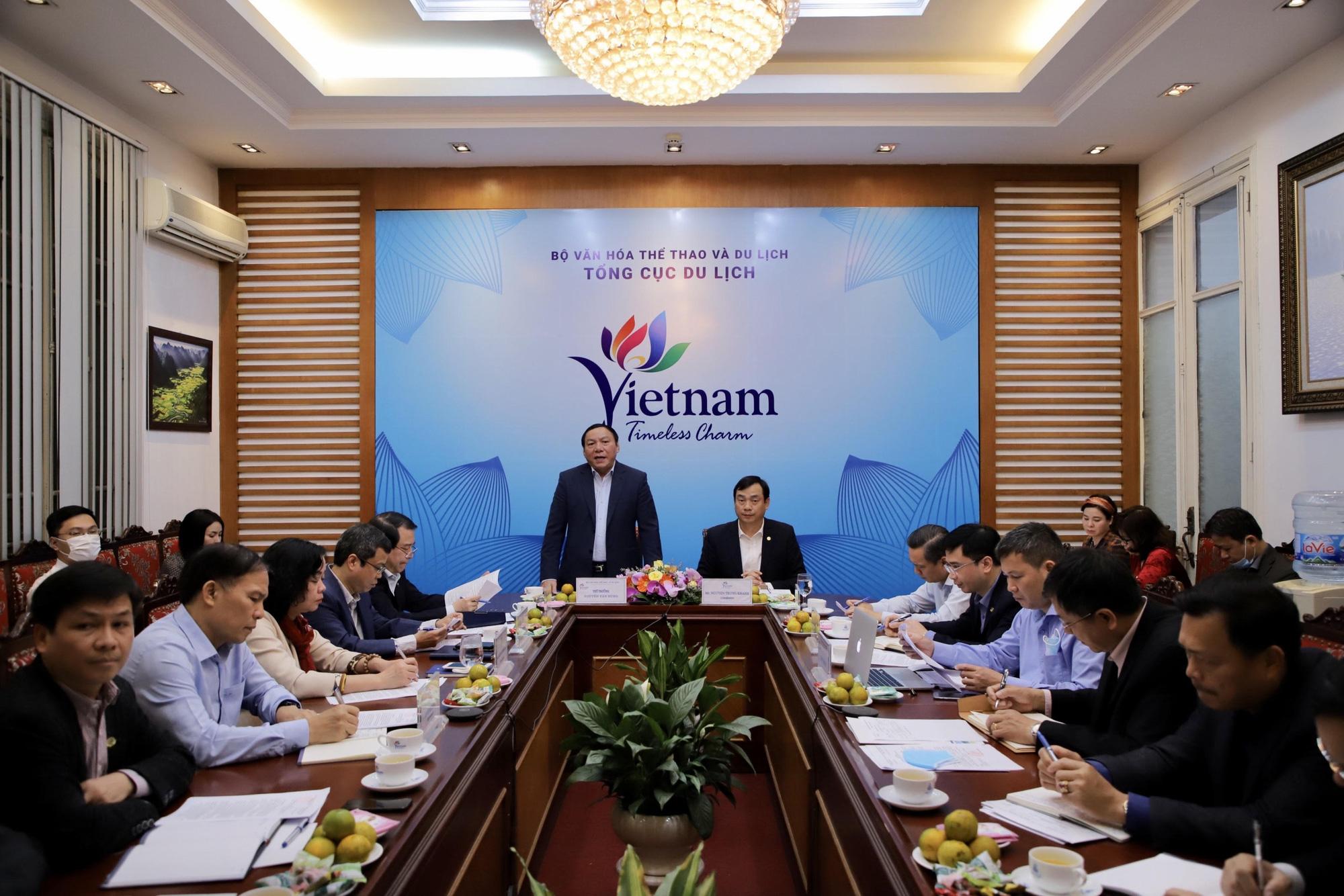 Thứ trưởng Nguyễn Văn Hùng: Ngành Du lịch cần xây dựng kế hoạch, đưa ra các giải pháp trọng tâm trong điều kiện bình thường mới - Ảnh 1.