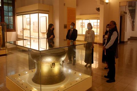Bảo tàng Lịch sử quốc gia hợp tác với Trung tâm Văn hóa Swami Vivekananda - Ấn Độ - Ảnh 1.