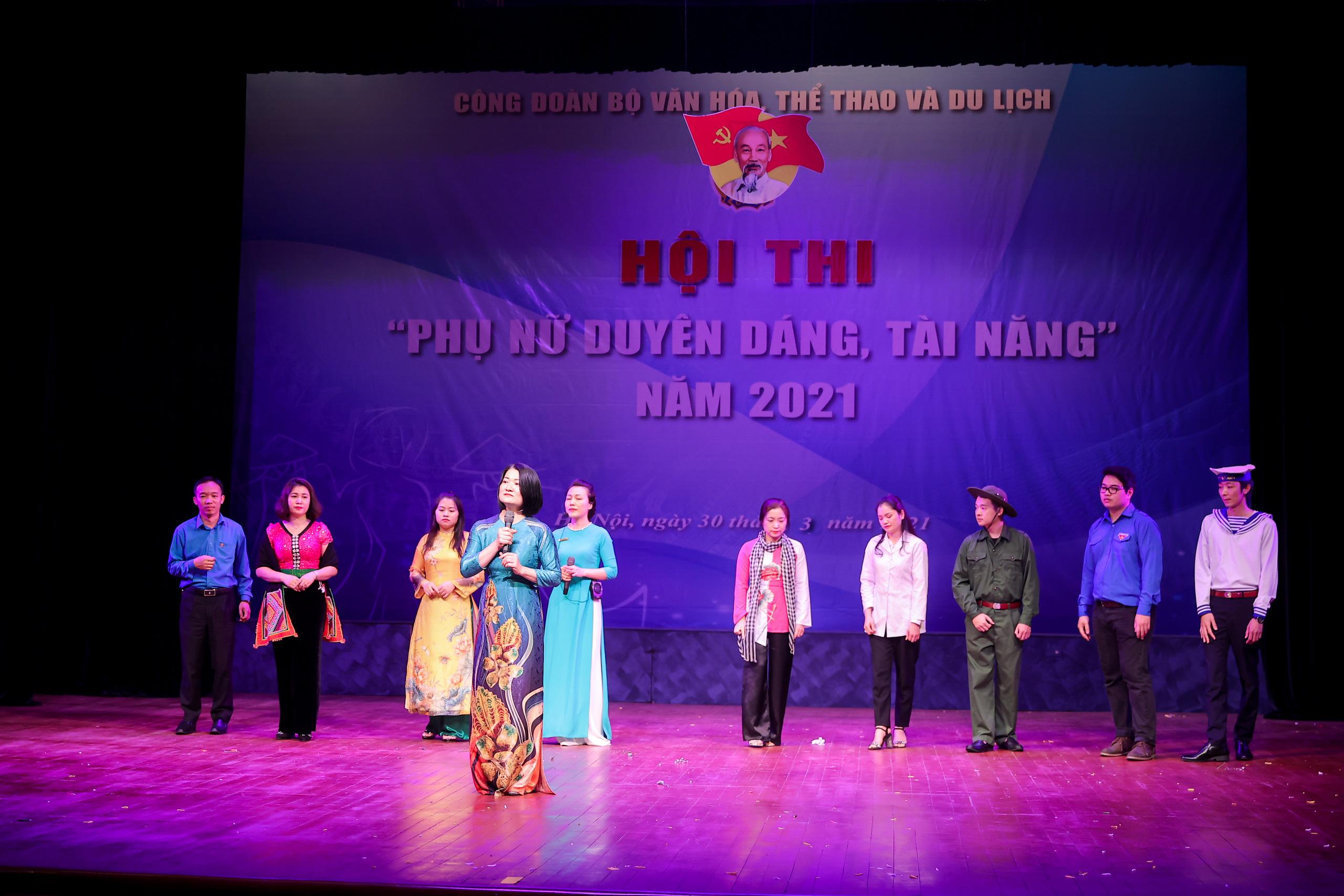 """Nhiều tiết mục ấn tượng trong Hội thi """"Phụ nữ duyên dáng, tài năng"""" năm 2021 - Ảnh 8."""