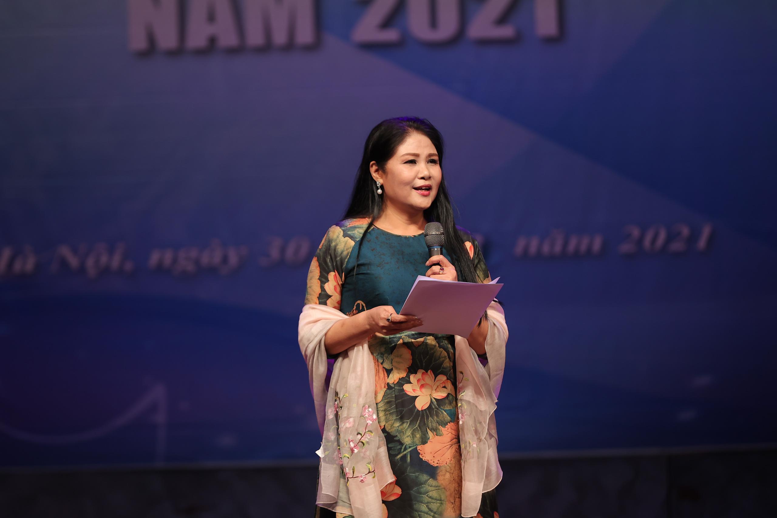 """Nhiều tiết mục ấn tượng trong Hội thi """"Phụ nữ duyên dáng, tài năng"""" năm 2021 - Ảnh 12."""