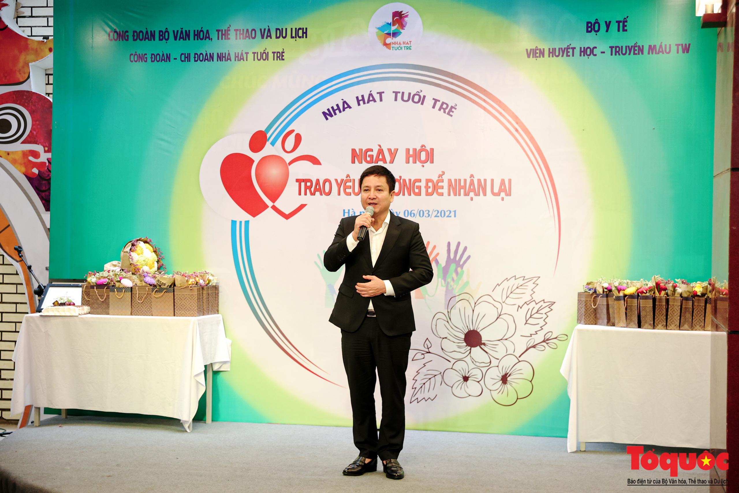 """Đông đảo các nghệ sĩ Việt tham gia hiến máu với thông điệp ý nghĩa """"Trao yêu thương để nhận lại"""" - Ảnh 5."""