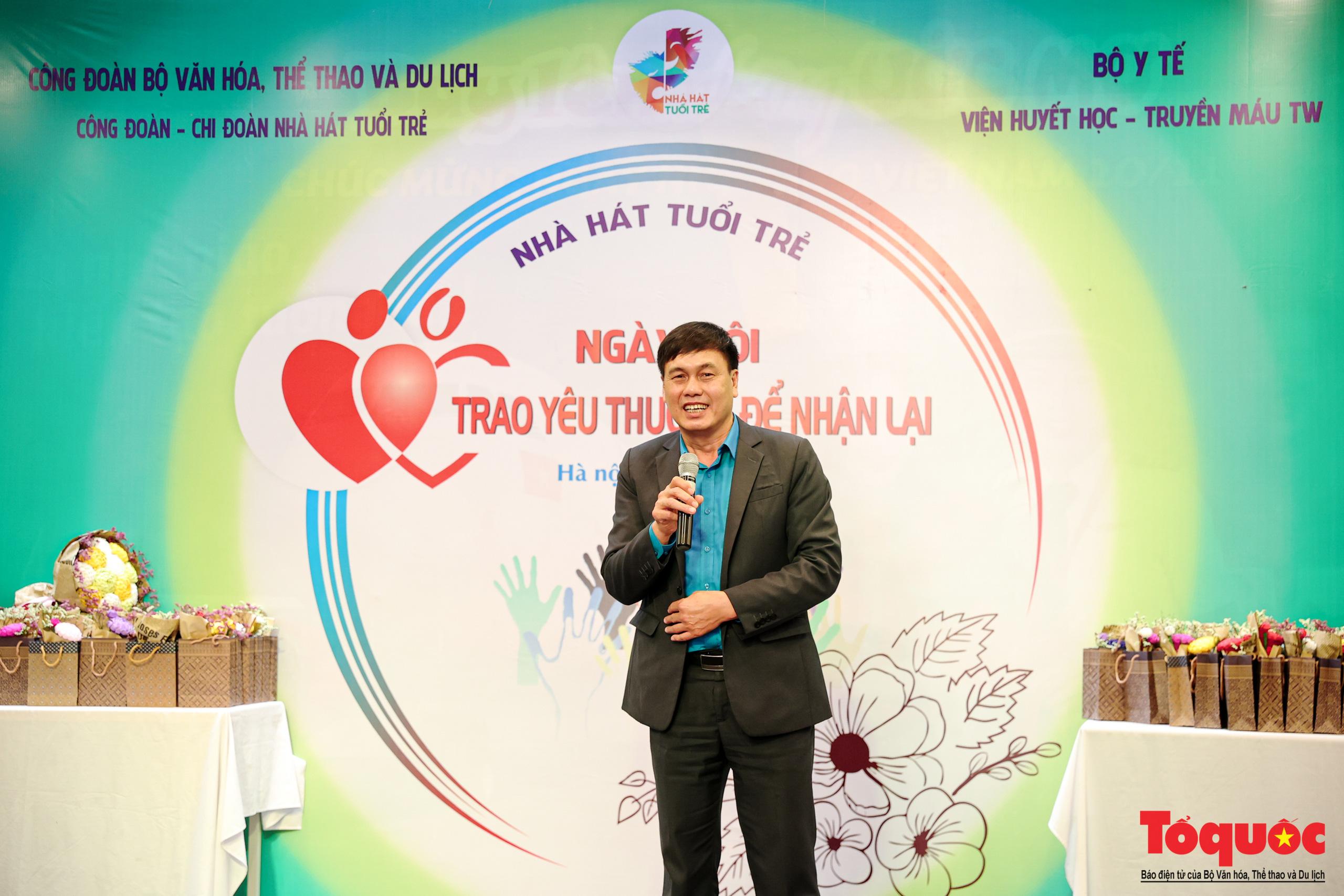"""Đông đảo các nghệ sĩ Việt tham gia hiến máu với thông điệp ý nghĩa """"Trao yêu thương để nhận lại"""" - Ảnh 4."""