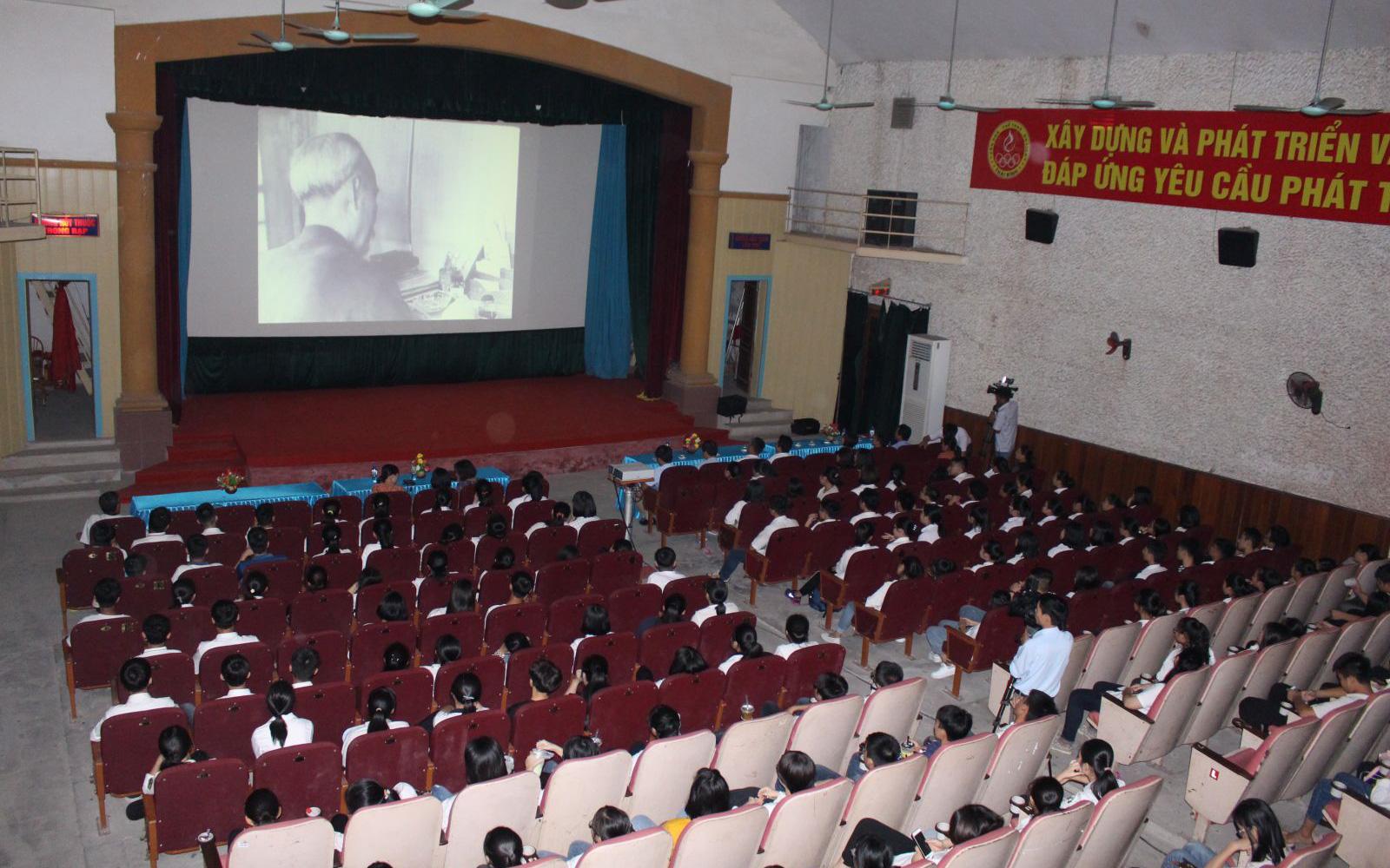 Tổ chức Đợt phim Kỷ niệm các ngày lễ lớn