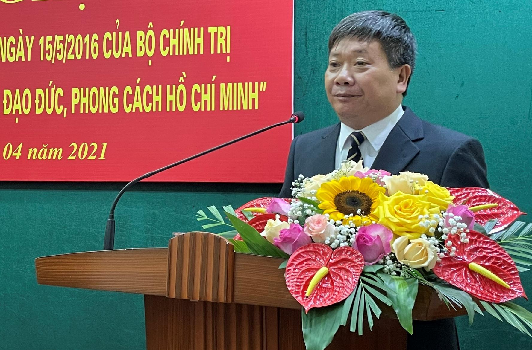 """Phải coi việc thực hiện """"Đẩy mạnh học tập và làm theo tư tưởng, đạo đức, phong cách Hồ Chí Minh"""" là công việc thường xuyên, phải làm suốt cuộc đời - Ảnh 2."""