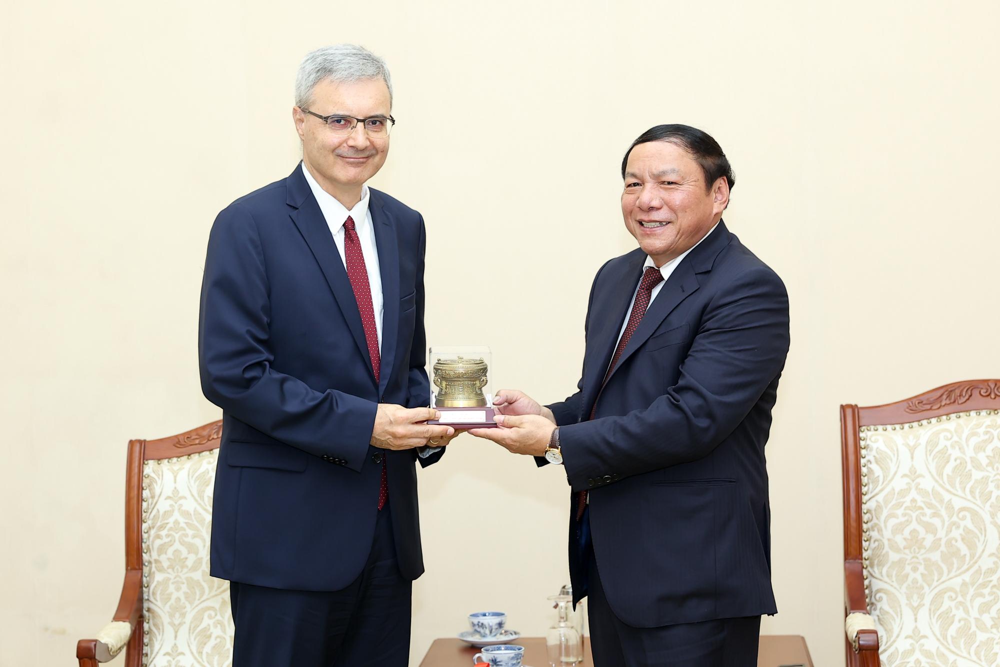 Đưa hợp tác văn hóa, thể thao, du lịch Việt- Pháp phát triển thiết thực và hiệu quả hơn - Ảnh 2.