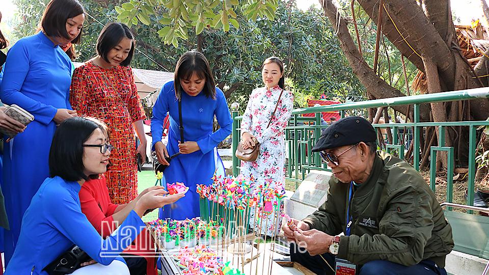 Nam Định: Đẩy mạnh các hoạt động trải nghiệm tìm hiểu di sản văn hóa - Ảnh 1.