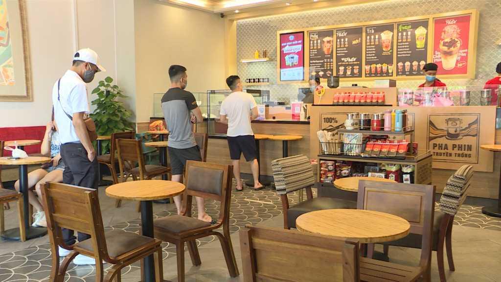 Quảng Ninh: Cơ sở dịch vụ, du lịch, hàng quán hoạt động trở lại, đảm bảo phòng dịch - Ảnh 4.
