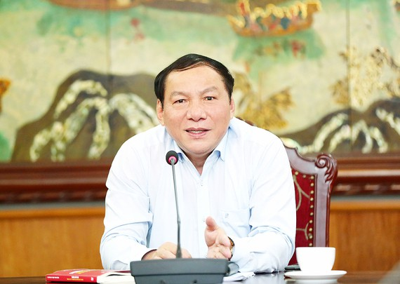 Bộ trưởng Bộ VH-TT-DL Nguyễn Văn Hùng: Tăng cường nội lực, bản lĩnh văn hóa để đẩy lùi cái xấu - Ảnh 1.