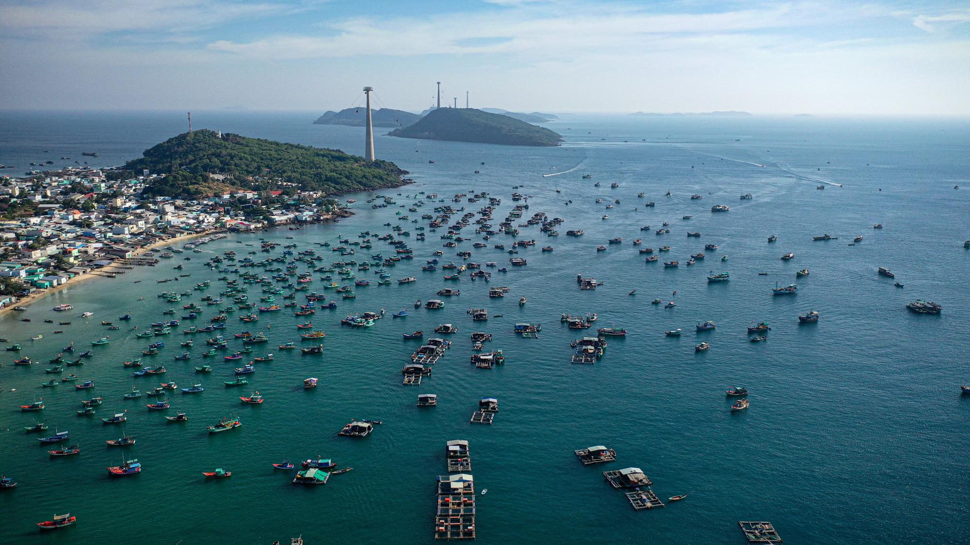 Bộ trưởng Nguyễn Văn Hùng: Cần cơ cấu, tính toán cân bằng lại thị trường du lịch - Ảnh 3.