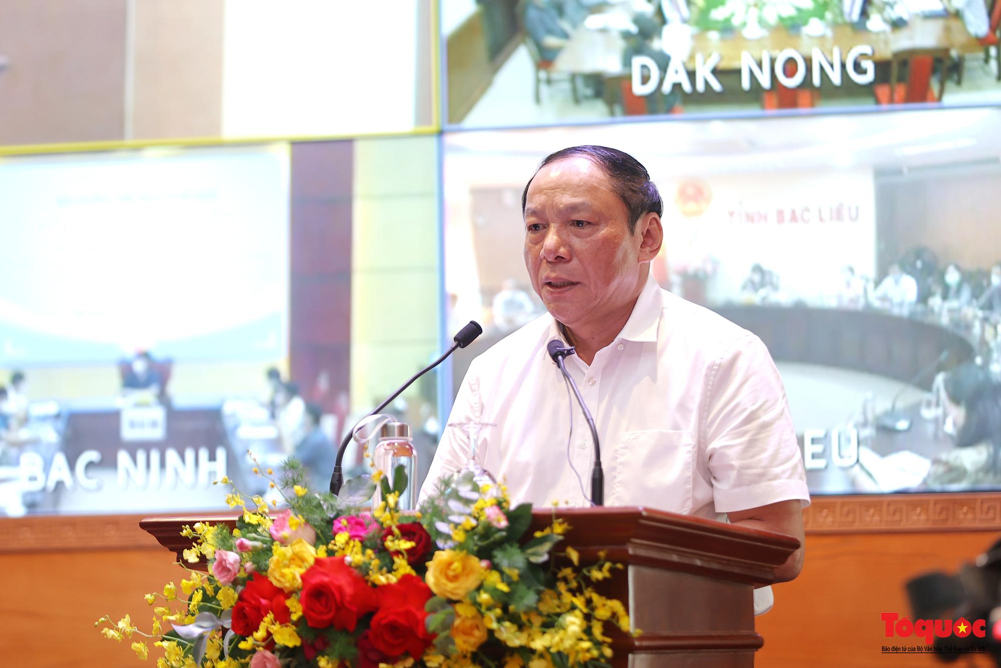 Bộ trưởng Nguyễn Văn Hùng: Cần cơ cấu, tính toán cân bằng lại thị trường du lịch - Ảnh 1.