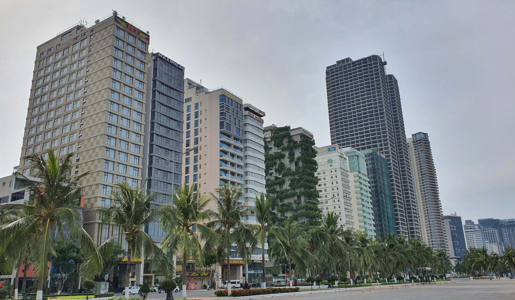 Đà Nẵng tăng cường phòng chống dịch tại các cơ sở kinh doanh dịch vụ lưu trú; Quảng Bình cách ly người đến từ vùng dịch - Ảnh 2.
