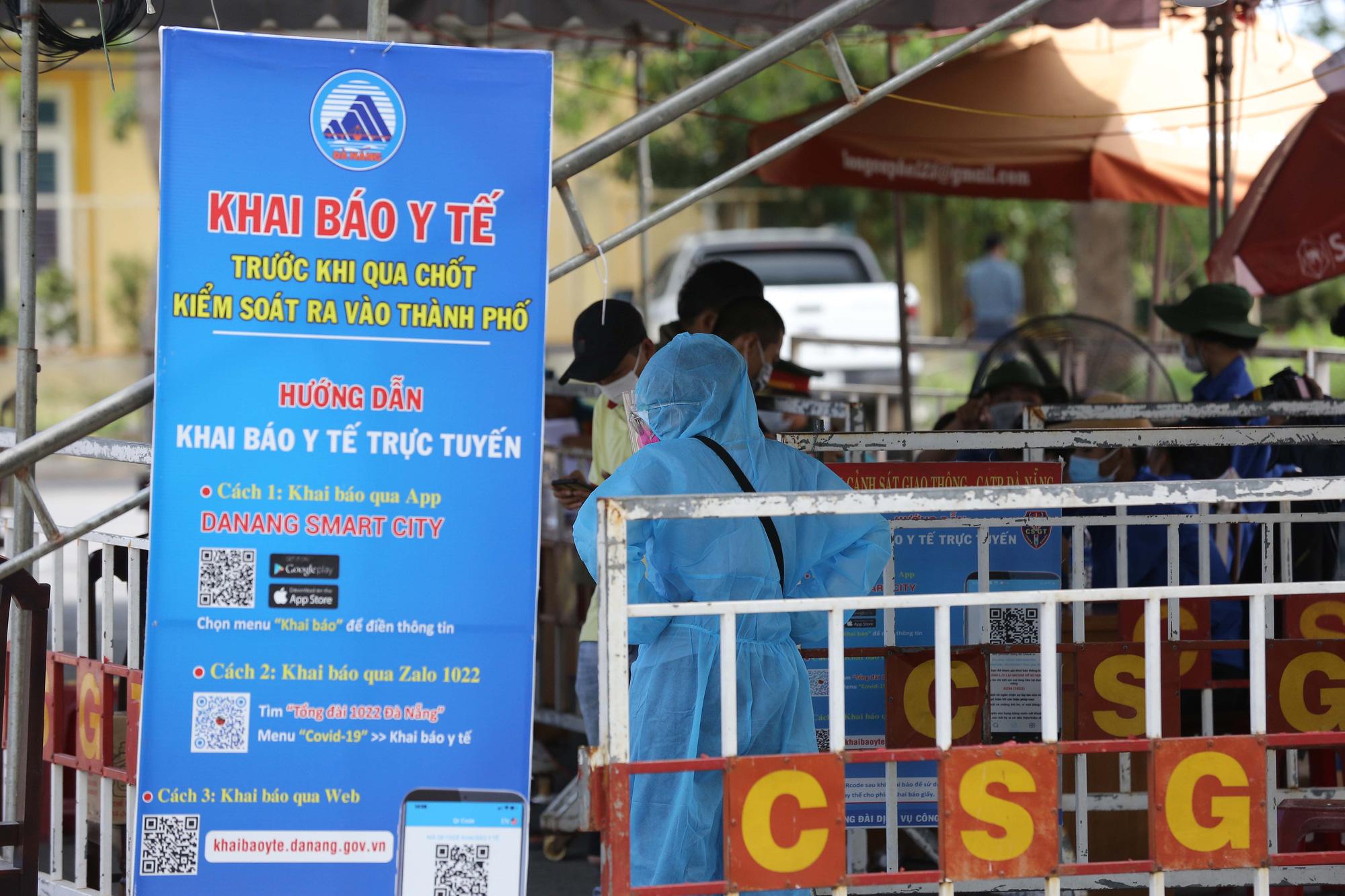 Đà Nẵng tăng cường phòng chống dịch tại các cơ sở kinh doanh dịch vụ lưu trú; Quảng Bình cách ly người đến từ vùng dịch - Ảnh 1.