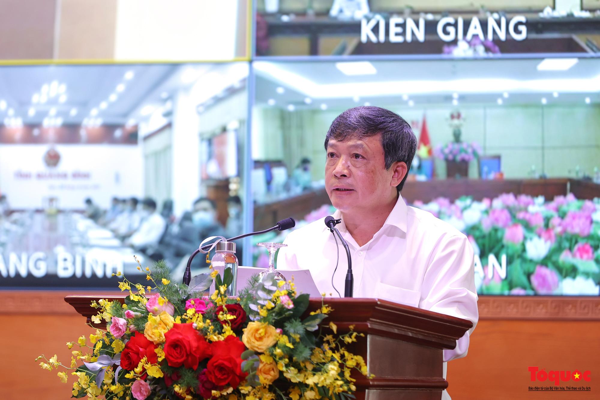 Bài 3: Dự kiến đầu tháng 7, Bộ VHTTDL trình Chính phủ dự thảo đề án hộ chiếu vaccine, thí điểm đón khách quốc tế tới Phú Quốc - Ảnh 1.