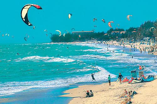 Bình Thuận: Phát triển du lịch trở thành ngành kinh tế mũi nhọn - Ảnh 1.