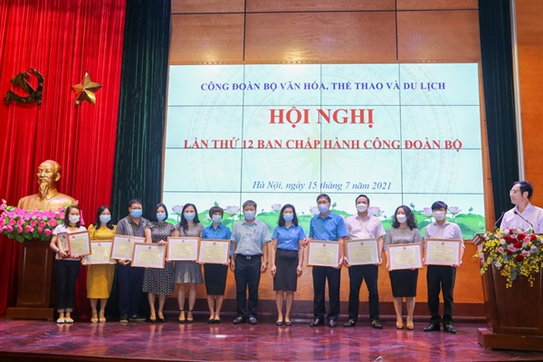 Hội nghị lần thứ 12 Ban Chấp hành Công đoàn Bộ VHTTDL - Ảnh 1.