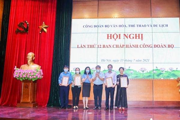 Hội nghị lần thứ 12 Ban Chấp hành Công đoàn Bộ VHTTDL - Ảnh 2.