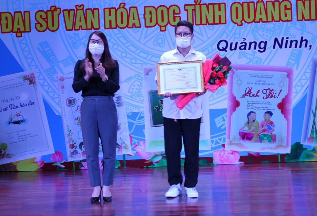 Trao giải cuộc thi Đại sứ Văn hóa đọc tỉnh Quảng Ninh năm 2021 - Ảnh 1.