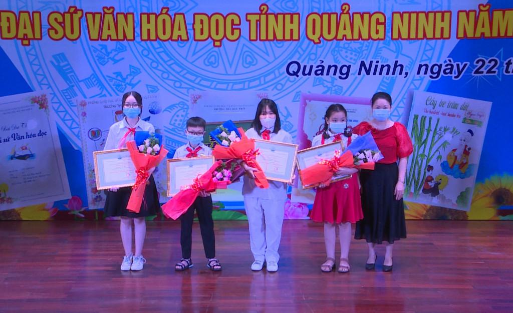 Trao giải cuộc thi Đại sứ Văn hóa đọc tỉnh Quảng Ninh năm 2021 - Ảnh 2.