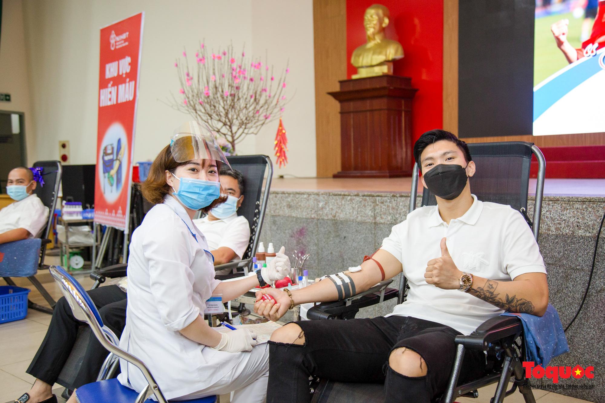 Bộ VHTTDL đẩy mạnh Hiến máu tình nguyện, đảm bảo an toàn và phòng, chống dịch bệnh COVID-19 - Ảnh 1.