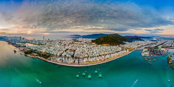 Phát triển du lịch Bình Định trở thành ngành kinh tế mũi nhọn giai đoạn 2020 - 2025: Tích cực đầu tư, đa dạng hóa sản phẩm du lịch - Ảnh 1.