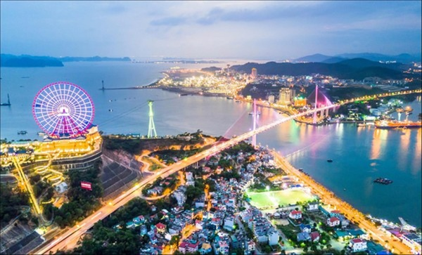 Quảng Ninh: Khu du lịch, thể thao, bãi tắm dừng hoạt động từ 12h trưa nay - Ảnh 1.