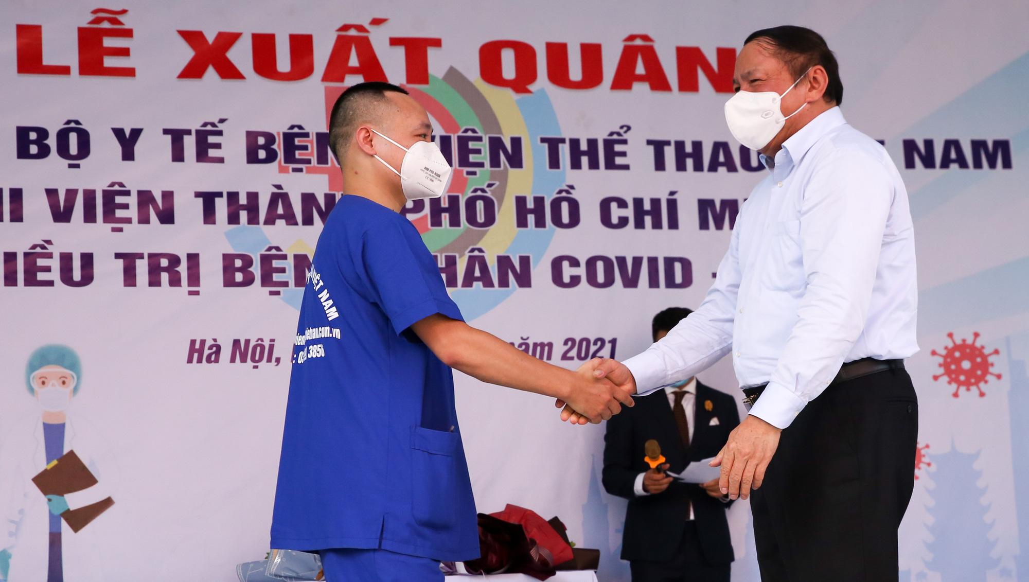 Bệnh viên Thể thao Việt Nam xuất quân tăng cường lực lượng vào miền Nam chống dịch - Ảnh 12.