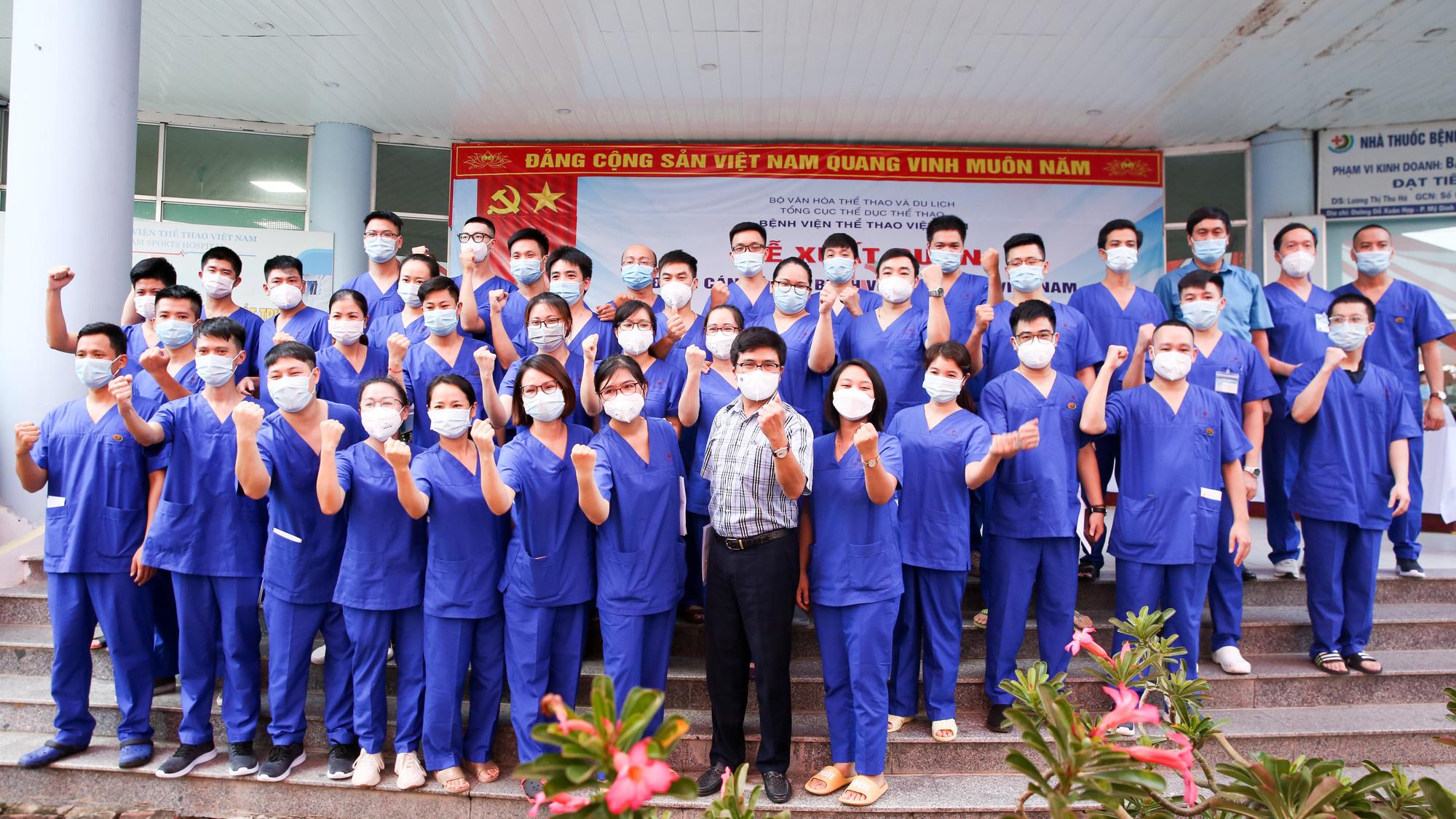 Bệnh viên Thể thao Việt Nam xuất quân tăng cường lực lượng vào miền Nam chống dịch - Ảnh 13.
