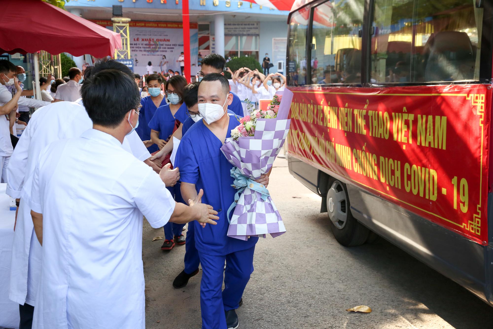 Bệnh viên Thể thao Việt Nam xuất quân tăng cường lực lượng vào miền Nam chống dịch - Ảnh 14.