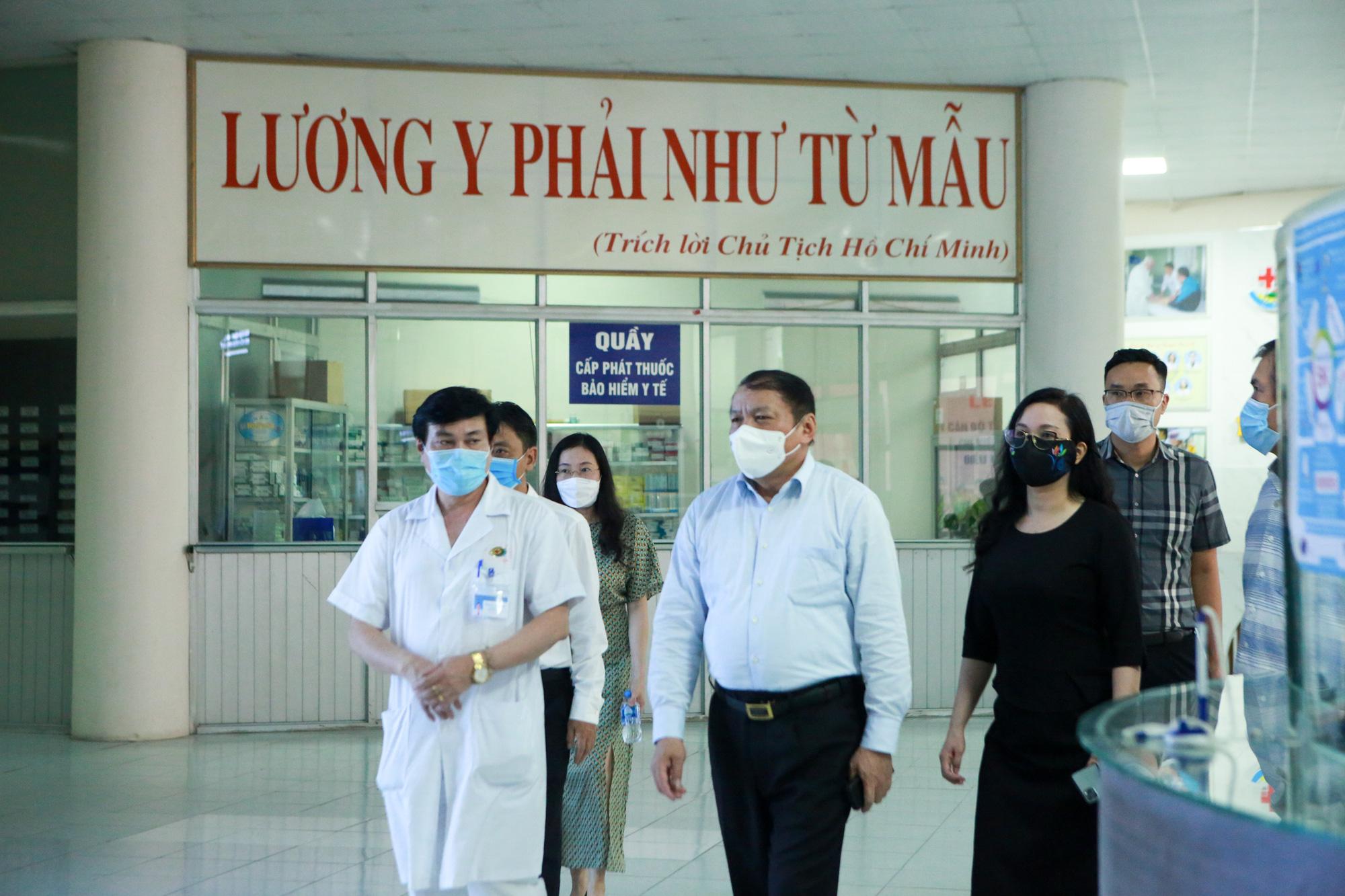 Bệnh viên Thể thao Việt Nam xuất quân tăng cường lực lượng vào miền Nam chống dịch - Ảnh 2.
