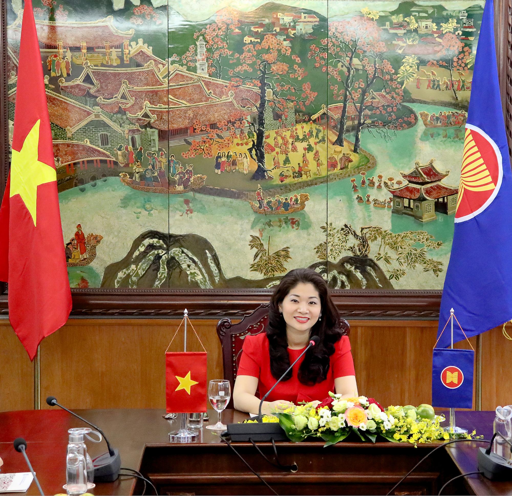 Đẩy mạnh hợp tác văn hóa và thông tin vì sự phát triển bền vững của ASEAN - Ảnh 4.