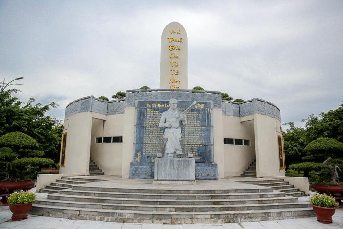 Thăm khu lưu niệm nhạc sĩ Cao Văn Lầu - người khai sinh Đờn ca tài tử Nam bộ