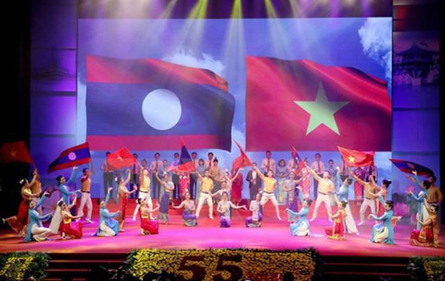 Tăng cường hoạt động thông tin đối ngoại tại khu vực đường biên trong Ngày hội thắm tình hữu nghị đặc biệt Việt – Lào - Ảnh 1.
