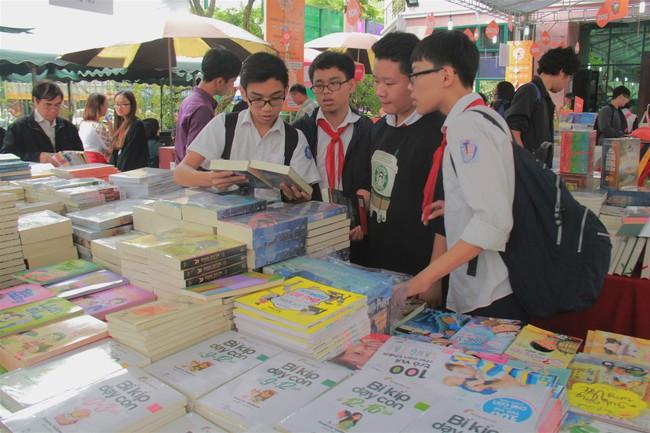 Sơ kết 01 năm triển khai thực hiện Đề án Phát triển văn hóa đọc trong cộng đồng đến năm 2020, định hướng đến năm 2030 - Ảnh 1.