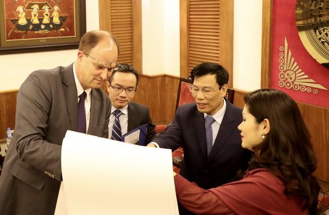 Bộ trưởng Nguyễn Ngọc Thiện tiếp Đại sứ CHLB Đức tại Việt Nam - Ảnh 1.