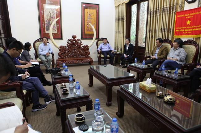 Bảo tàng Lịch sử Quốc gia làm việc với đoàn Viện nghiên cứu văn vật Khảo cổ Tứ Xuyên, Trung Quốc - Ảnh 1.