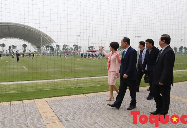 Thứ trưởng Lê Khánh Hải: PVF sẽ là nơi đào tạo ra những lứa cầu thủ vừa tài, vừa đức - Ảnh 1.