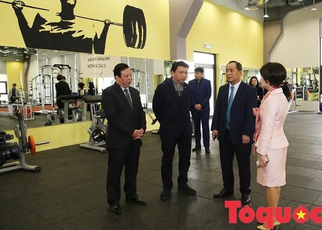 Thứ trưởng Lê Khánh Hải: PVF sẽ là nơi đào tạo ra những lứa cầu thủ vừa tài, vừa đức - Ảnh 3.