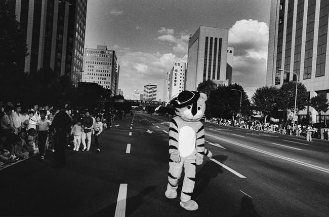 Chứng kiến Seoul – 4 thập kỷ hóa siêu đô thị qua 62 tác phẩm ảnh - Ảnh 1.