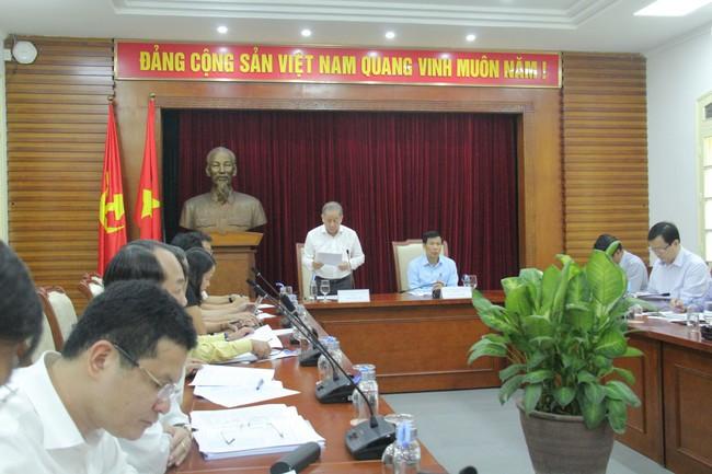 Bộ trưởng Nguyễn Ngọc Thiện làm việc với lãnh đạo tỉnh Thừa Thiên Huế - Ảnh 1.