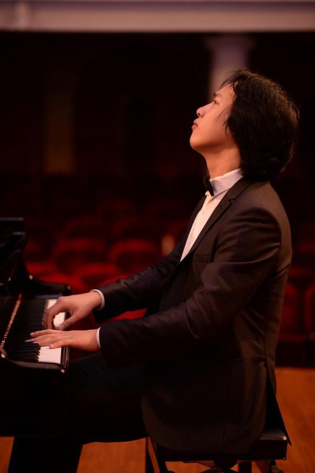 Nghệ sĩ Việt - Pháp hội ngộ trong đêm nhạc cổ điển Độc tấu piano Charles - Valentin Alkan - Ảnh 3.