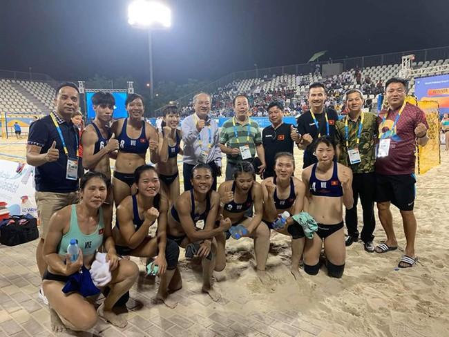 Đội tuyển Bóng ném bãi biển nữ Việt Nam giành quyền vào Bán kết Đại hội thể thao bãi biển thế giới lần thứ nhất  - Ảnh 1.