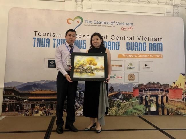 Thừa Thiên Huế tổ chức chương trình Roadshow giới thiệu du lịch tại Singapore - Ảnh 1.