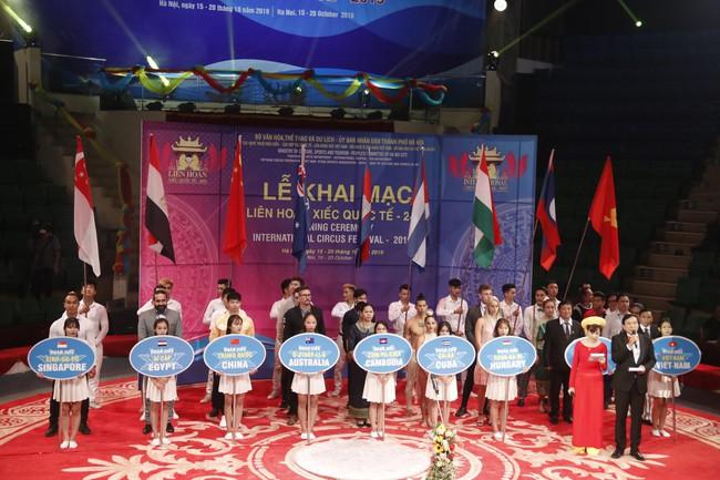 Hấp dẫn, lôi cuốn Khai mạc liên hoan Xiếc quốc tế 2019 - Ảnh 2.