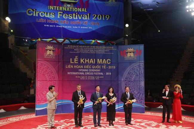 Hấp dẫn, lôi cuốn Khai mạc liên hoan Xiếc quốc tế 2019 - Ảnh 3.