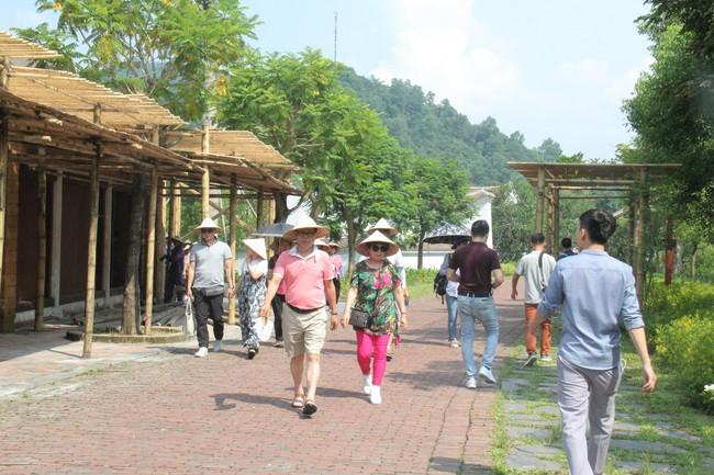 Du lịch Việt Nam cần hướng tới những giải thưởng lớn của thế giới chứ không chỉ dừng lại ở khu vực  - Ảnh 1.