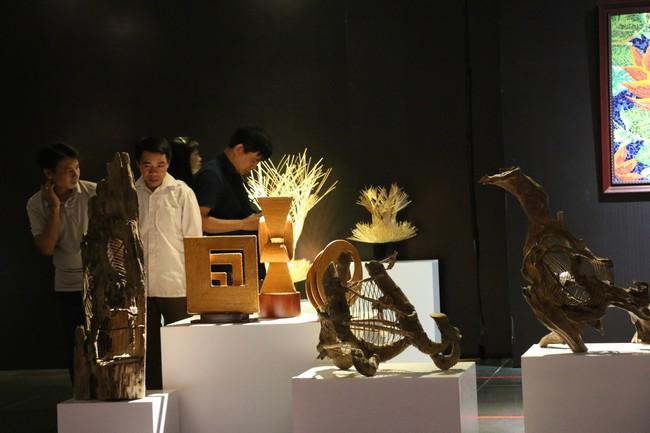 Khai mạc và trao Giải thưởng Triển lãm Mỹ thuật ứng dụng toàn quốc lần thứ 4- 2019 - Ảnh 3.