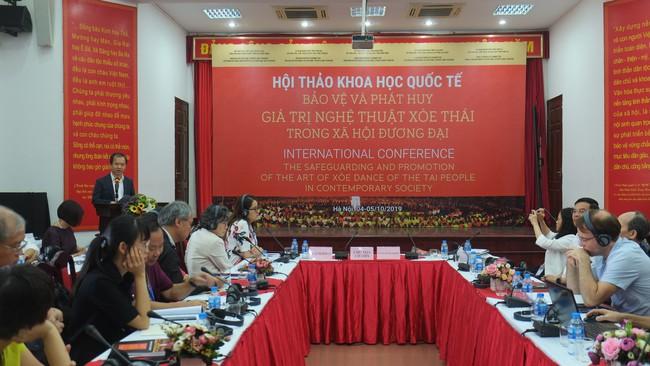 Bảo vệ và phát huy giá trị Nghệ thuật Xòe Thái trong xã hội đương đại: Gìn giữ hồn cốt văn hóa của người Thái - Ảnh 2.