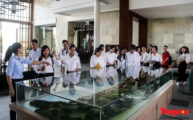 Trường Cao đẳng Du lịch Huế ký kết hợp tác đào tạo nguồn nhân lực du lịch chất lượng - Ảnh 2.