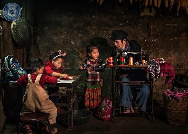 73 giải thưởng đã được trao tại Cuộc thi ảnh Nghệ thuật Quốc tế lần thứ 10 - Ảnh 1.