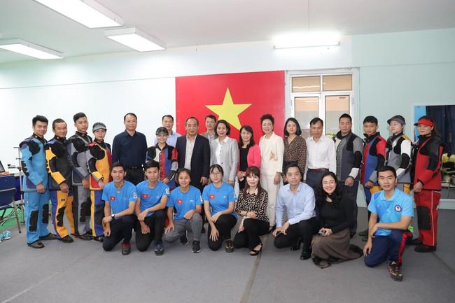 Thứ trưởng Lê Khánh Hải làm việc với Liên đoàn Bắn súng Việt Nam - Ảnh 1.